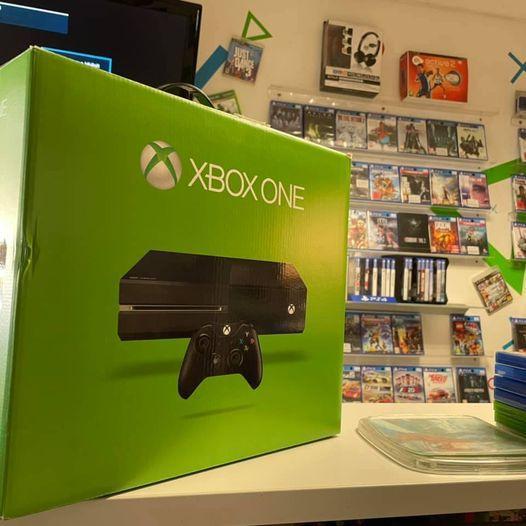 Hasznalt-Xbox-One-500-Gb